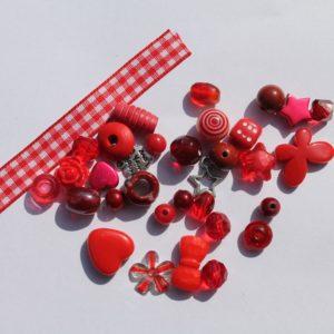 DIY Armbandje rood